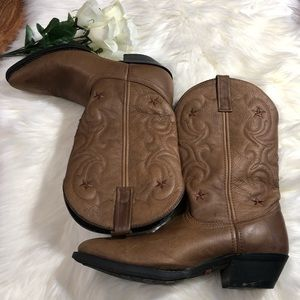 Laredo brown leather cowgirl boots
